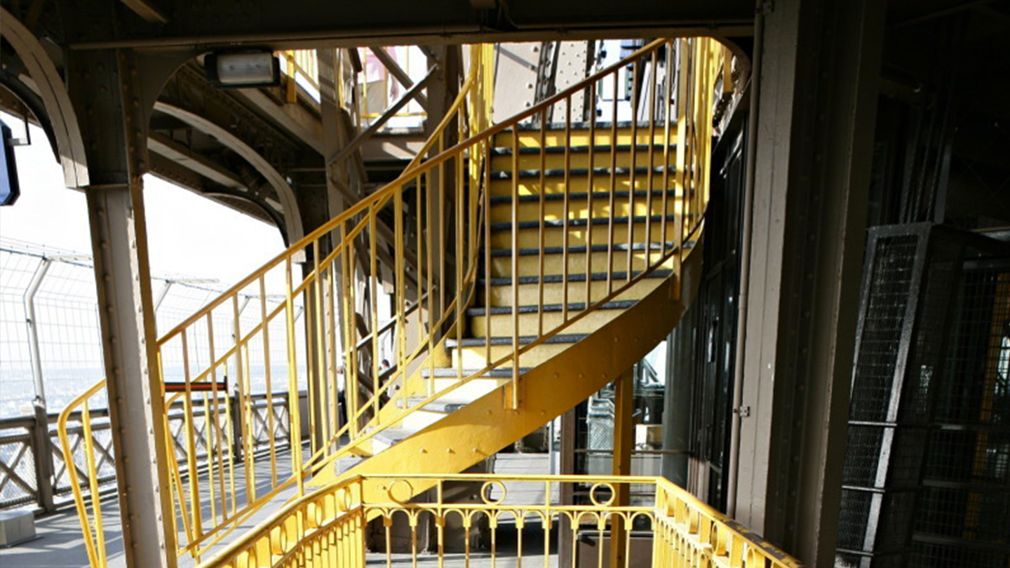 Staircase Section Tower : Explore the first floor of eiffel tower official website