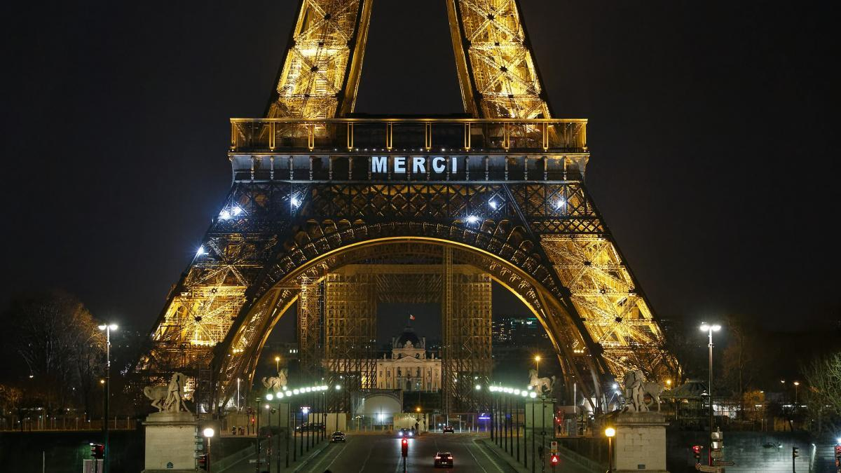 Projection Merci sur la tour Eiffel
