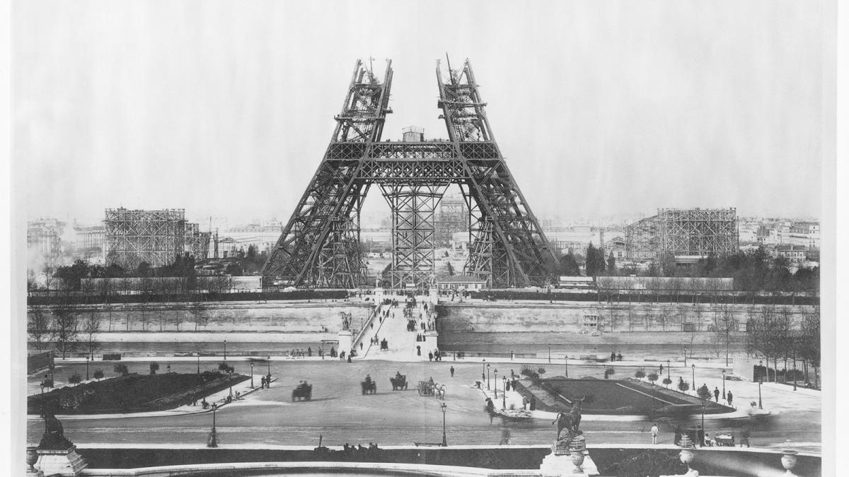 Photo de la Tour Eiffel en construction