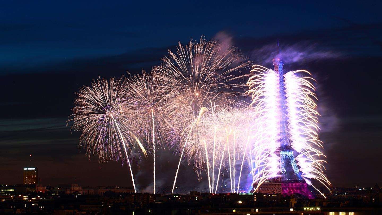 fireworks display on 14 july -eiffel tower