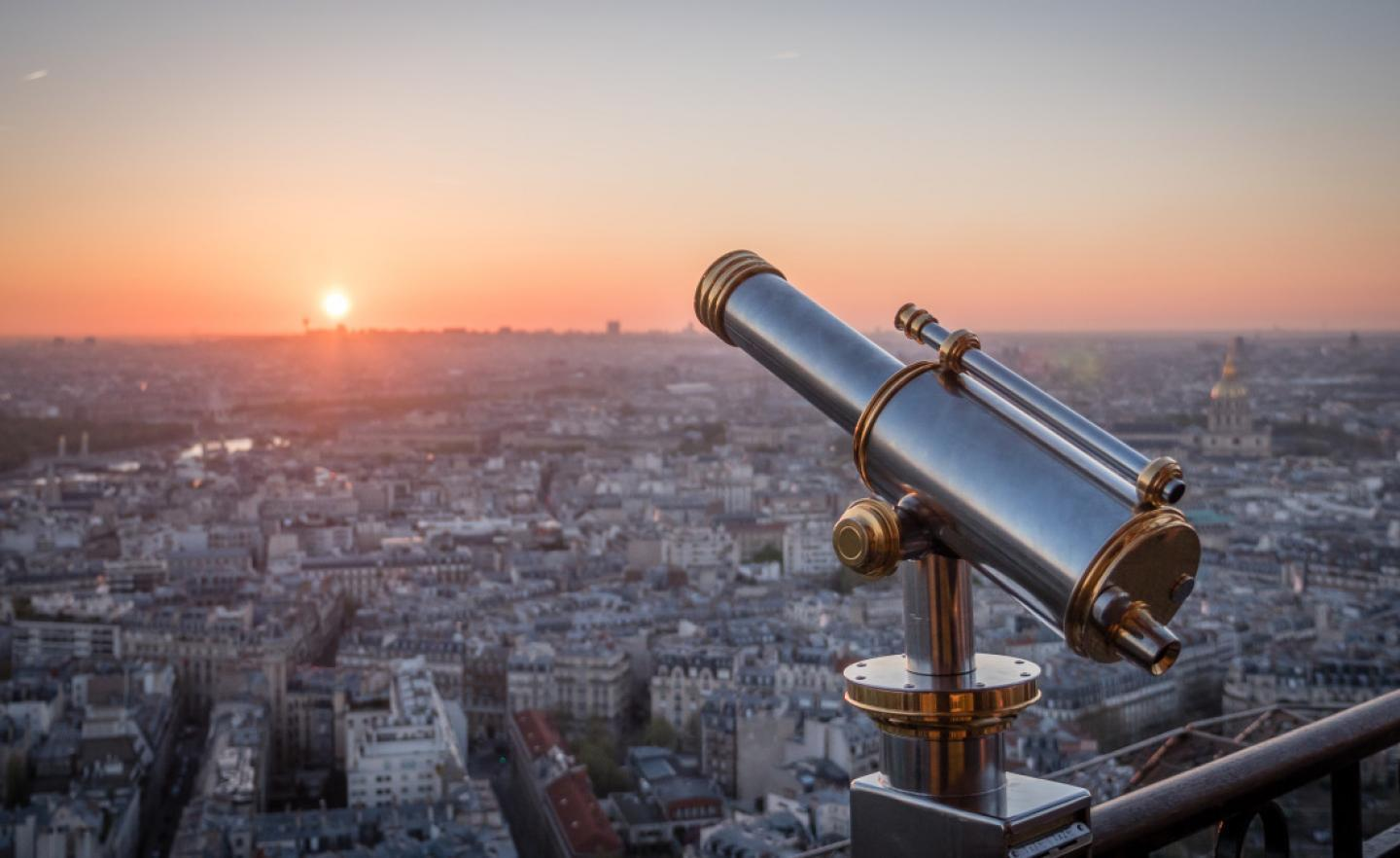 Explore The Second Floor Of The Eiffel Tower Official