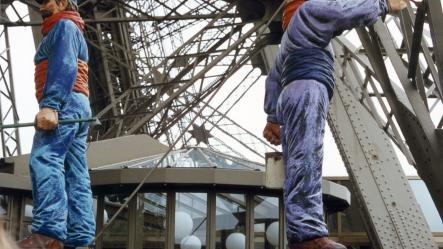 Mock-ups of Eiffel Tower painters