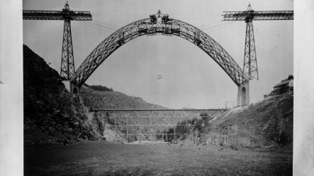 Viaduc de Garabit en construction