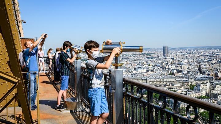 Visiteurs tour Eiffel