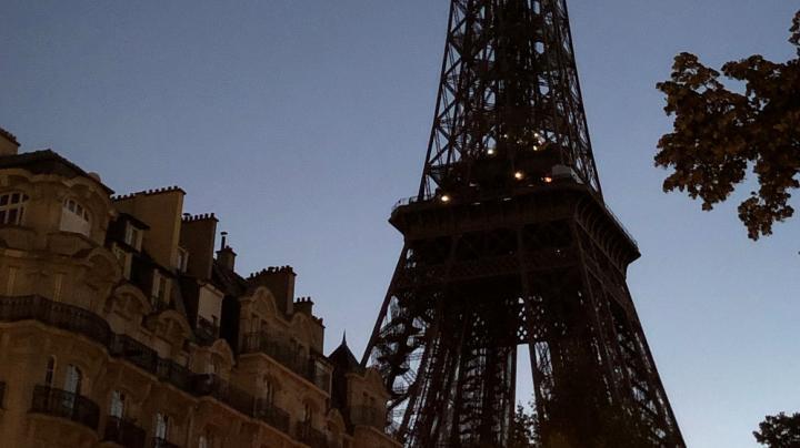 Tour Eiffel éteinte