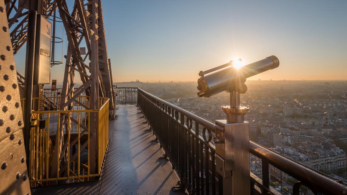 9a13e6b51 Eiffel Tower facts  height in feet
